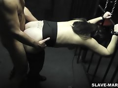 Amateur slut gets gangbanged by strangers