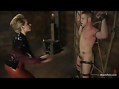 Babe in latex bringing her man great pain