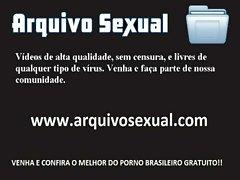 Gatinha do corpinho sensual dando um ch&aacute_ de buceta 2 - www.arquivosexual.com