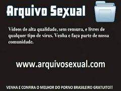 Putinha caindo de buceta na rola do sortudo 7 - www.arquivosexual.com