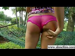 Amateur Teen Girl Love To Play With Vibrator movie-22
