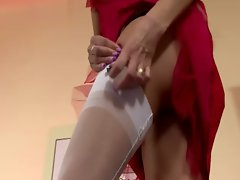 Blond slut shows what she got in the hall way of the place