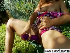Amateur Teen Girl Love To Play With Vibrator movie-23