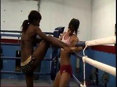 Ebony PANTHER (Oyeta) wrestling