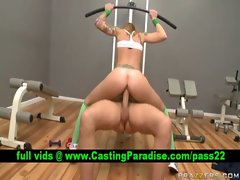 Scarlett Pain vixen riding shaft at gym