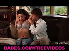 Chesty loveliness Adrianna Luna seduces her man