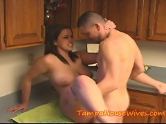 Attractive Mummy Cheating wife bangs the PLUMMER
