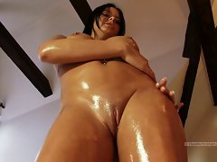 Lass at home gets naked and oily ideal breasts and butt