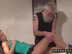 Smoking filthy patient bangs her experienced physiotherapist
