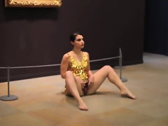 wench spreads her vulva at art museum in front of public