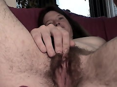 Very hairy Snatch Pushin