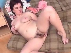 Stunning Mommy Masturbate