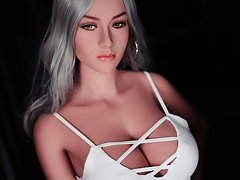 Long-haired venus doll with blameless figure