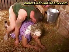 Mature dairymaid in amateur porn