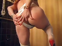 Lady Shows All 2