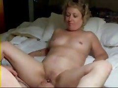 Reciprocal masturbation with my old bitch. Amateur