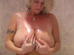 Mateur Babe Shower and Massaging Big Tits and Pussy