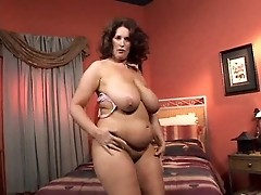 Crummy Dusty Rose sucks off the cock in great way