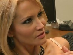 Jessica Drake let horny guy's comings melt on her face