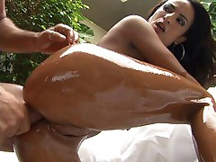Shiny Latin diva gets her butthole nailed