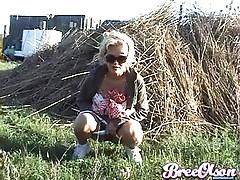 Bree having a pee
