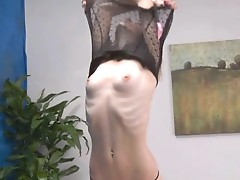 Smut 18 year aged massage therapist Ava gives the  more than a massage!