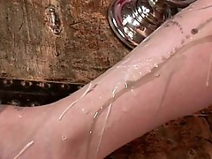 Johane Johansson waxing legs