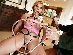 Jet lagged wench craves to get fucked!!
