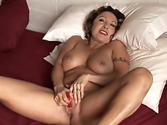 Sexy vedio inside which agirl and the docter check pussy