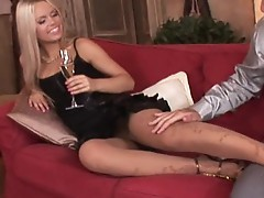 Blonde babes in threesome