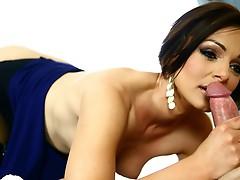 Sexy brunette enjoys an astonishing raunchy moment