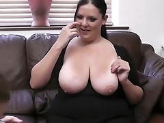 Photographer tricks BBW inside porn