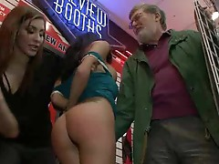 Absolutely free Pussy at the Porn Store