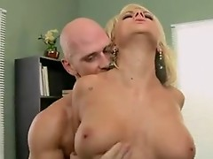 Porn whore BrAndy Blair takes a throbbing 10-pounder in this chapr Mouth like a Lollipop