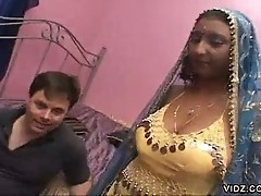 Pretty Indian slut gives herself to a stud