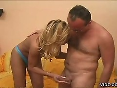 Transsexual Amanda wanks own cock