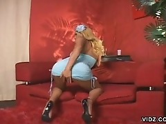Alluring tranny Monik gets the job done
