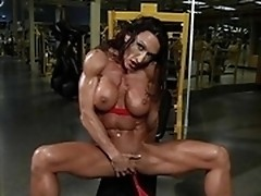 Some masturbation from the muscled bodybuilder