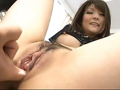 Gorgeous Huwari bouncing up and down on a hard dick