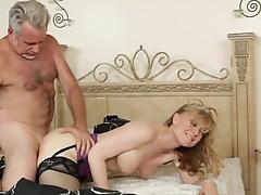 Horny MILF Nina Hartley enjoys a mature muff fucking