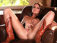 Sexy Teal Conrad loves tormenting her juicy moist clit