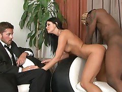 India Summers is stuffed in front of her husband