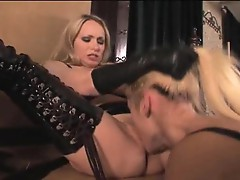 Sexy slut Aiden Blue licks out Rebecca Blue's dripping wet flange
