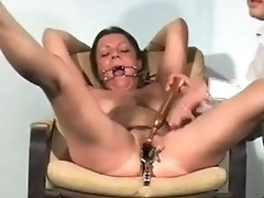 Unbelievable speculum fetish and pussy experiments