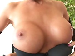 Jordan Blue change a pleasure time with her tits for a black cream facial