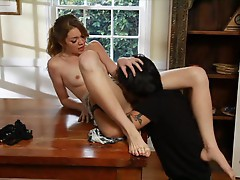 Jessie Andrews takes a hot length on a tabletop