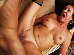 Hot cougar Vanessa Videl  fucks hung handyman