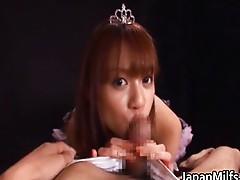 Asian princess babe gives a hot blowjob