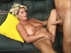 Saggy milf knows kama sutra & squirts with stud