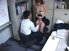 Silly sex in office: what Asians do on lunch break